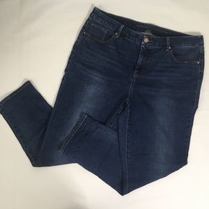 Chico's So Slimming Girlfriend Ankle Jeans 2.5/14